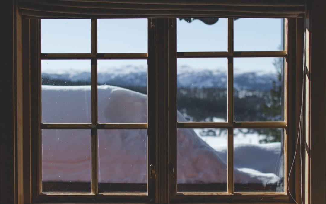 Fenêtre à guillotine : Tout ce que vous devez savoir sur la fenêtre à guillotine